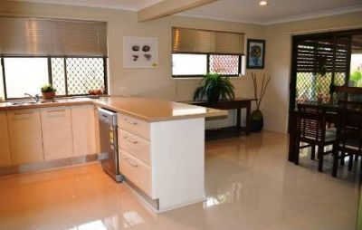 Private one level entertainer on the park! Home office set up! 10 KW Solar System!