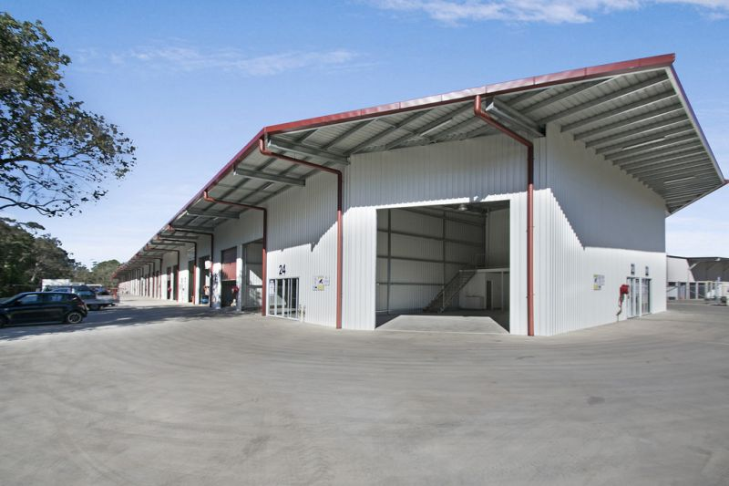 Industrial Unit - In New Complex Close To Bruce Highway