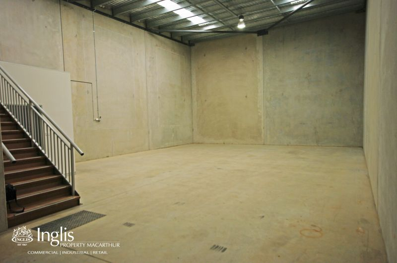 ** LEASED BY INGLIS COMMERCIAL **