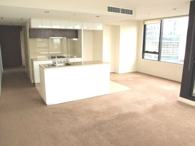 Victoria Point: 20th Floor - Sensational Docklands Location with Stunning Views!