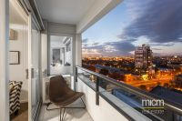 Generously sized 3 bedroom apartment in West Melbourne