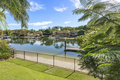 Spacious waterfront family home available furnished or unfurnished