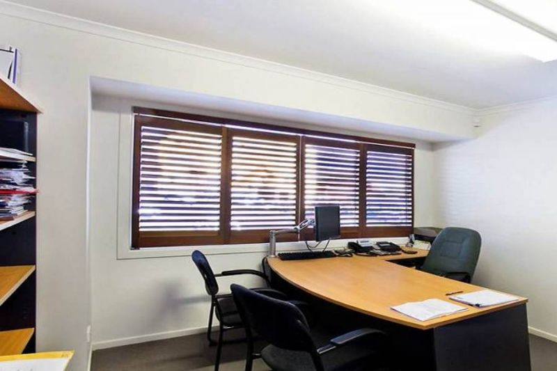 Professional Office Building in Caloundra - Freehold With Car Parking