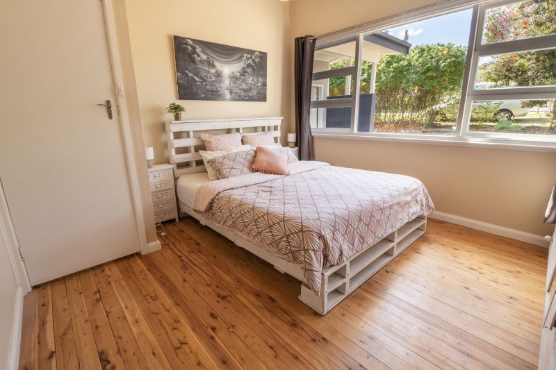 For Sale By Owner: 56 Seaham Street, Holmesville, NSW 2286