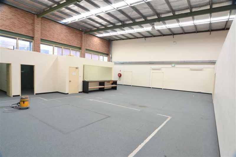 Warehouse with Showroom