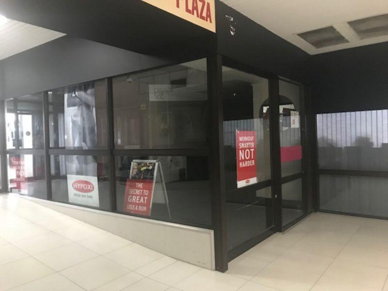 Retail/Office space on popular Stones Corner strip