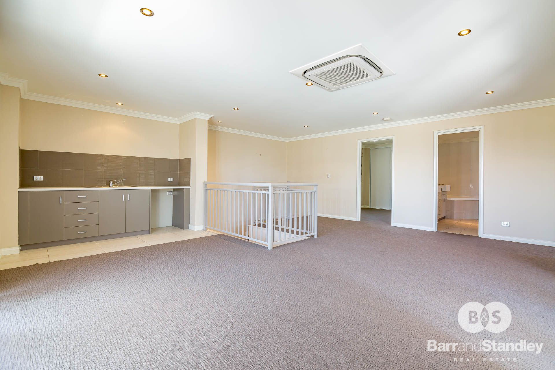 2/35 Carey Street, Bunbury