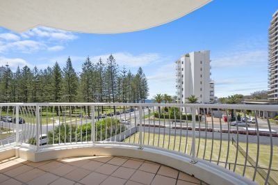 Dual living potential in the heart of Broadbeach!