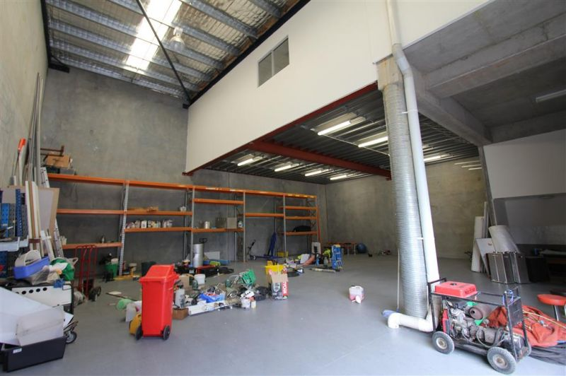 447m² Quality Office/Warehouse Industrial Unit