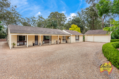 BOUTIQUE HORSE PROPERTY ON APPROX. 10 ACRES!!