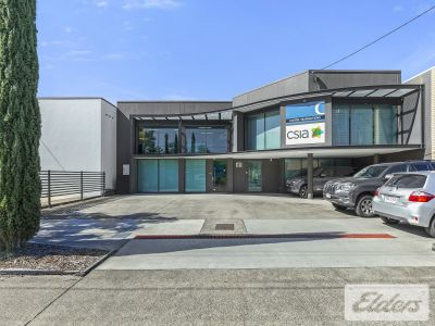 VERSATILE CENTRAL OFFICE WITH AMPLE CAR PARKING