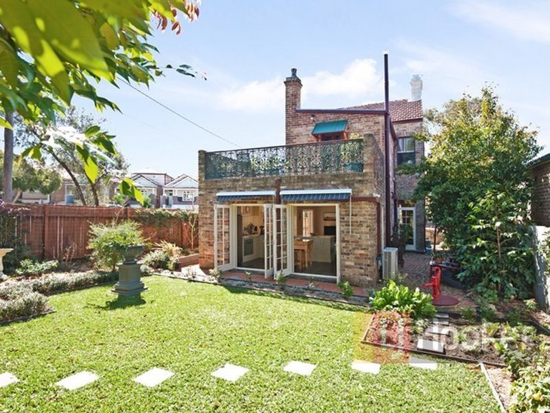 9 Pile Street, Dulwich Hill