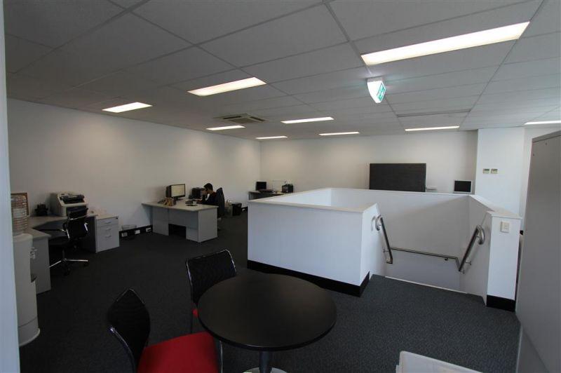 138m² Modern High-Tech Business Unit