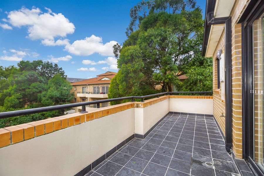 17/76-78 Courallie Avenue, Homebush West