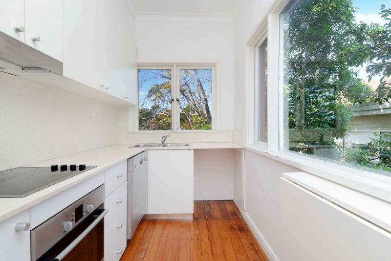Two Bedroom Apartment in Heart Of Bellevue Hill