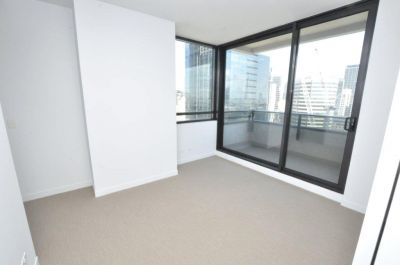 My80: 21st Floor - Two Bedroom Apartment with Stunning Views!