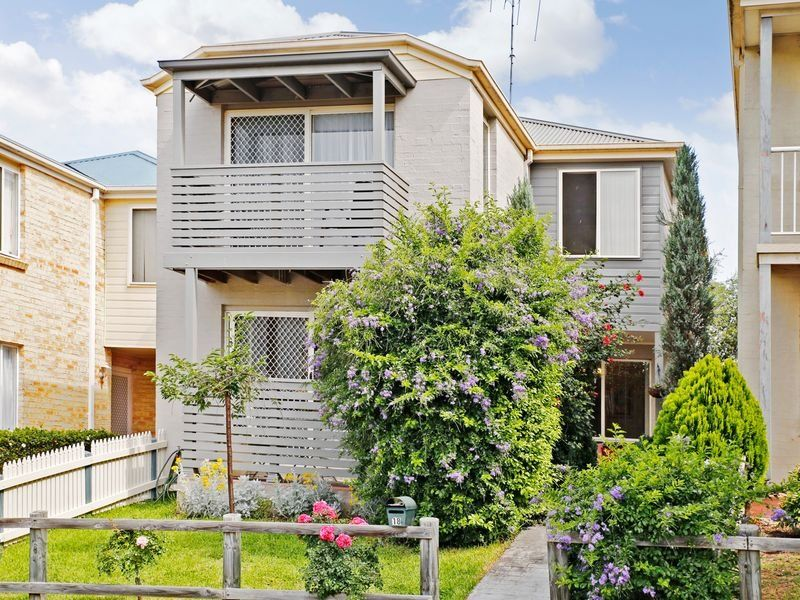 18 Brookview Street, Currans Hill NSW 2567