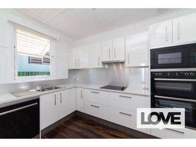 Fantastic Position - Close to Shops and University