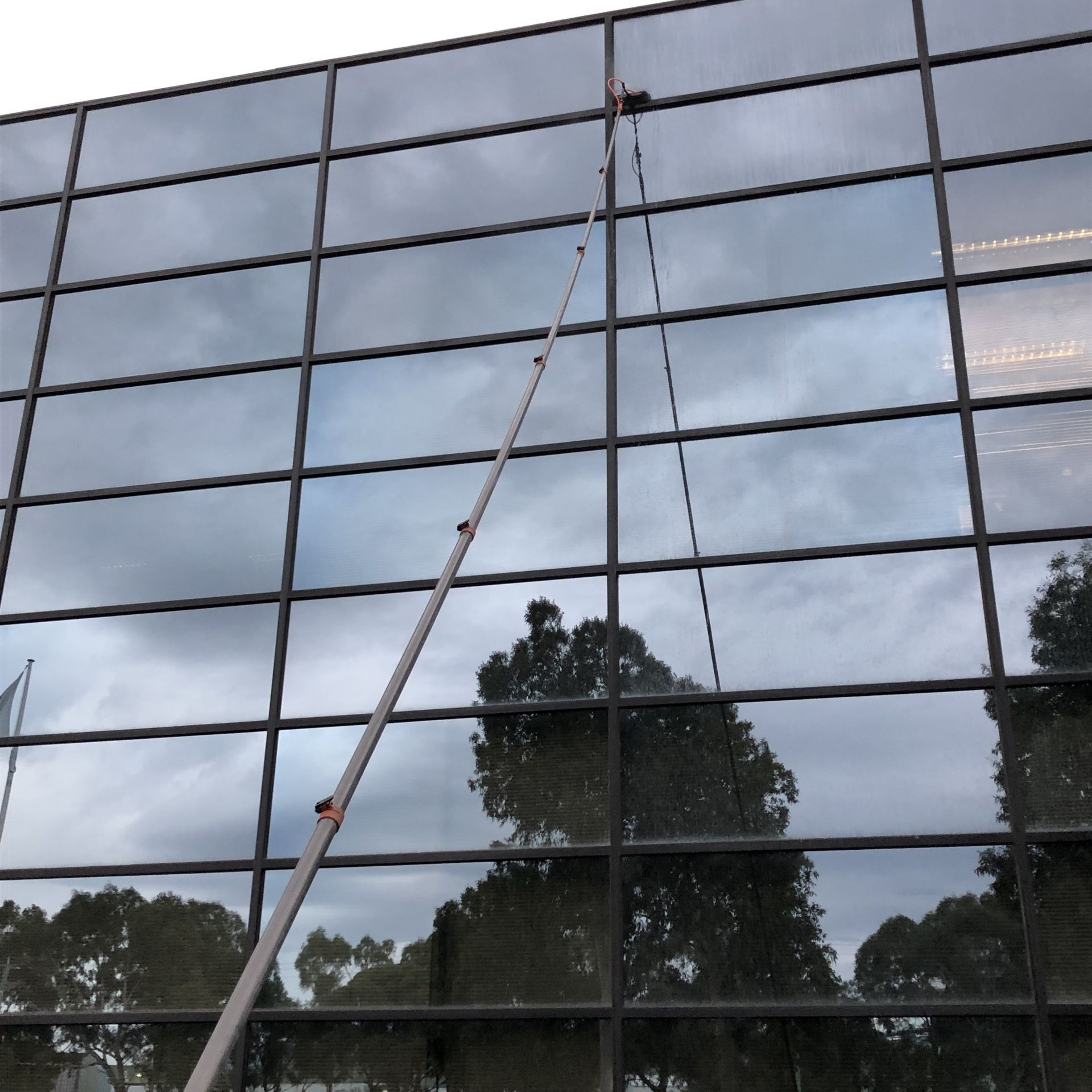 LONG ESTABLISHED CORPORATE & PRIVATE WINDOW CLEANING BUSINESS