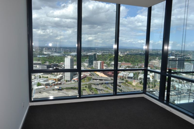 MAINPOINT: 38th Floor - Don't Wait To Inspect This Stunning Property!
