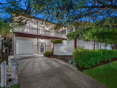 Spacious and Charming Colonial in Great Location