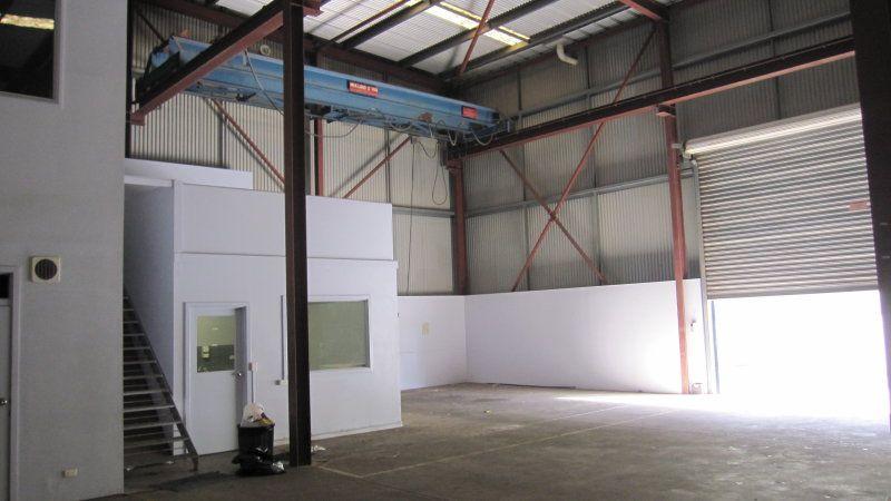 Modern High Clearance Office Warehouse