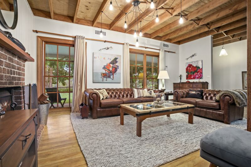 Wonderfully private oasis with picturesque valley views on 25 Acres