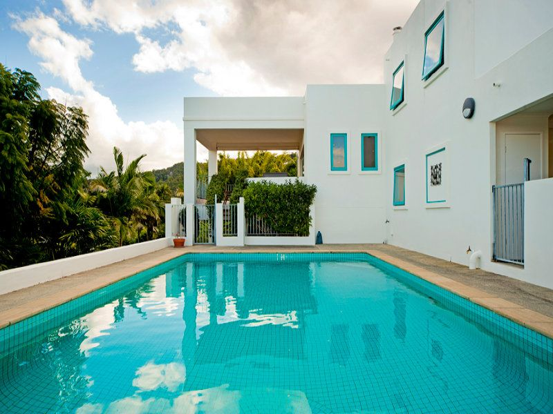 MEDITERRANEAN INSPIRED WITH BREATHTAKING VIEWS ON THE HILLS OF TALLAI