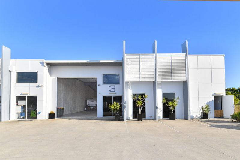 Industrial Unit In 3 Unit Complex