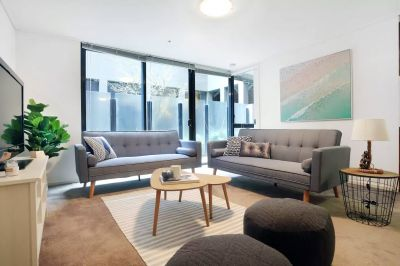 City Point: Spacious Two Bedroom Apartment in the Heart of Melbourne!