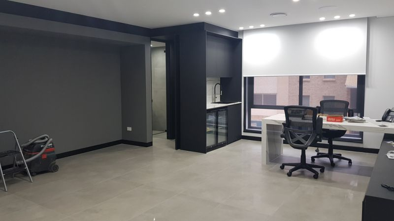 FULLY REFURBISHED COMMERCIAL BUILDING