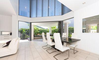 Beachside Award-winning Villa