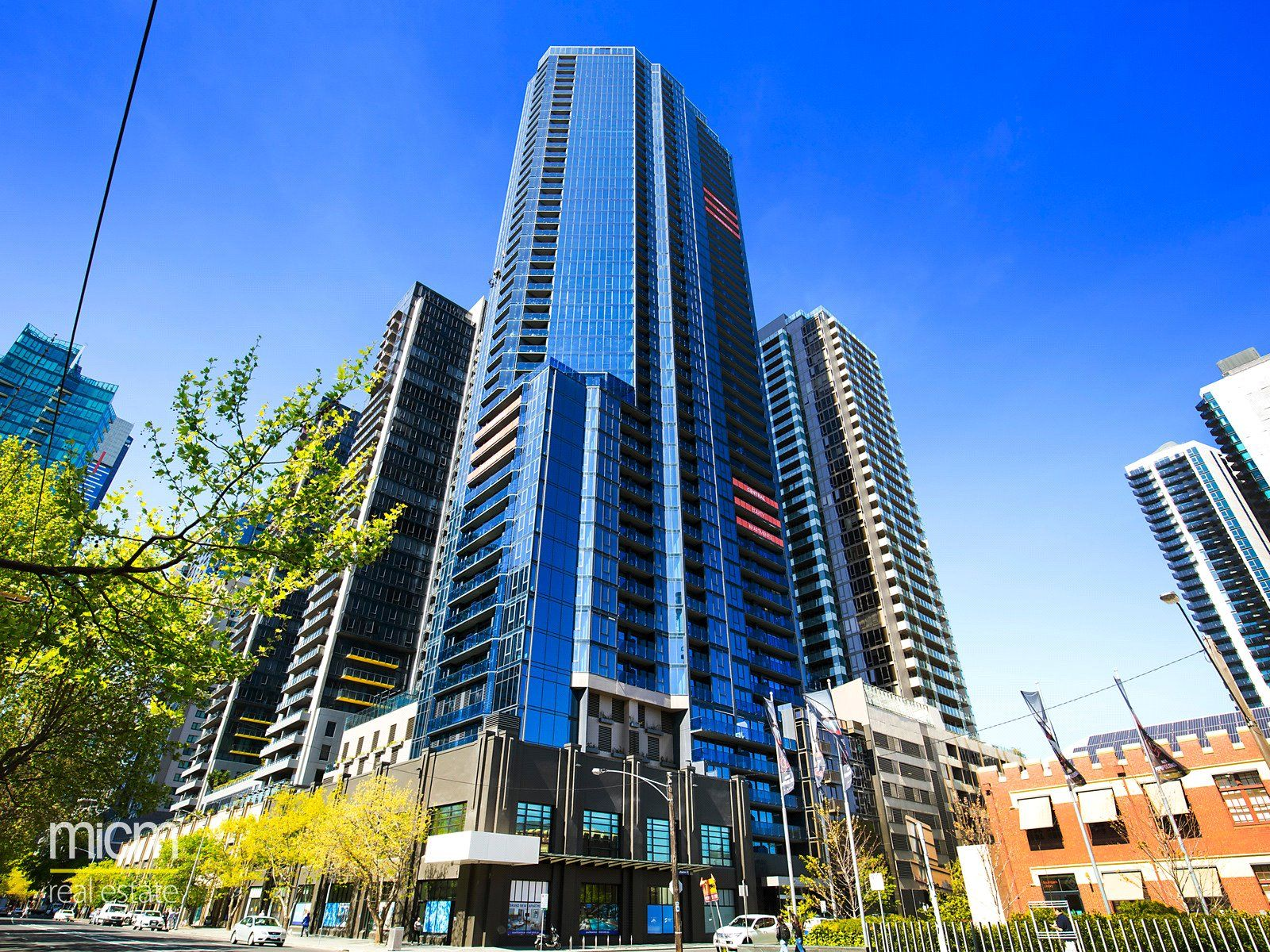 Spacious And Bright Two Bedroom Apartment In The Stunning Southbank Central Complex!