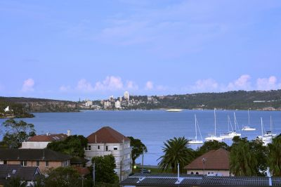 Balmoral Beach lifestyle opportunity for a lucky family.
