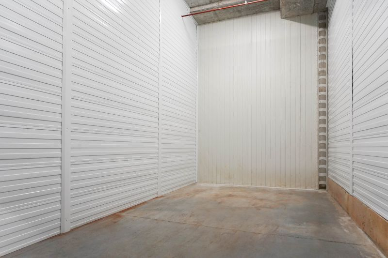 STORAGE SPACE!!! GREAT FOR TRADIES OR PERFECT FOR THE 'COLLECTOR'
