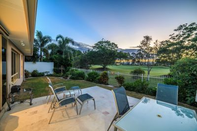 Absolute Golf Frontage Home - Classic Style