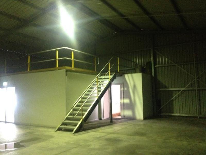 2/24 Enterprise Crescent, Singleton