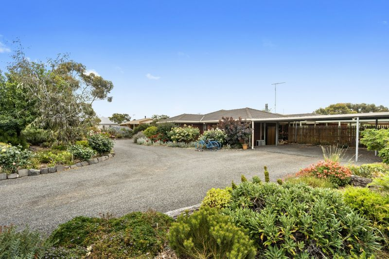 118 Charlton Road, Bannockburn