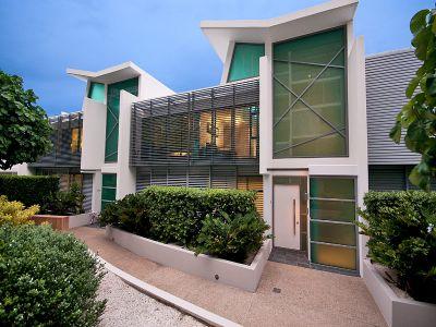 Stunning Stylish East-Facing Villa