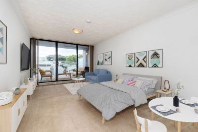 Super Sized Studio in the hear of Narrabeen