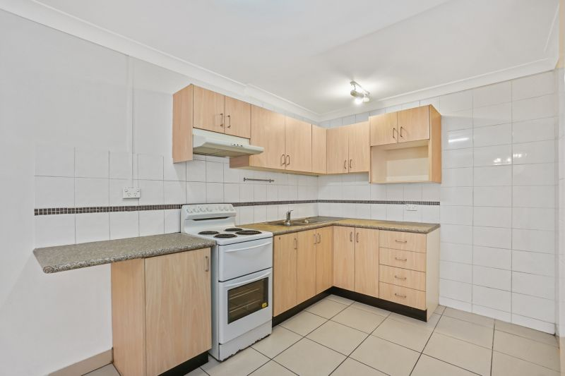 Dual Level 3 Bedroom Home In Convenient Inner West Pocket