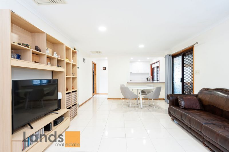 Wonderful Family Home With 4 Bedrooms & 2 Living Areas.