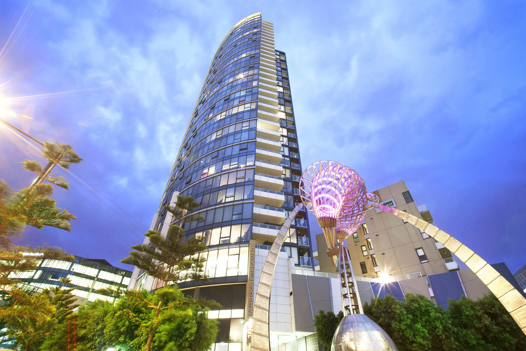 Victoria Point 1: Modern and Spacious One Bedroom + Study!