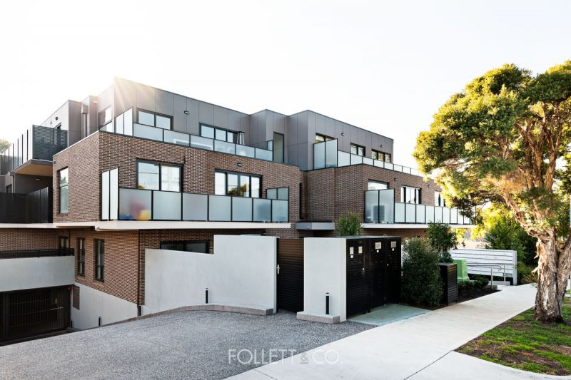 Modern & Bright in Lifestyle Location