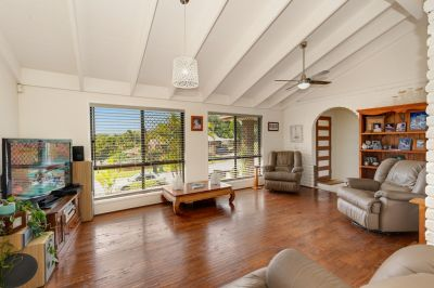 Robina Woods Family Home - Large 803m2 Block