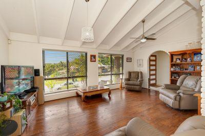 Robina Woods Family Home - Large 803m2 Block