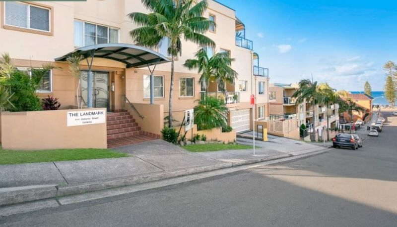 OPEN PLAN STUDIO STYLE OFFICE IN THE HEART OF COLLAROY BEACH
