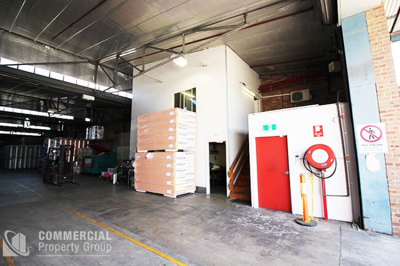 WAREHOUSE WITH B DOUBLE ACCESS