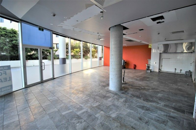 COMMERCIAL SPACE ON THE GROUND FLOOR OF A LARGE COMMERCIAL OFFICE COMPLEX!