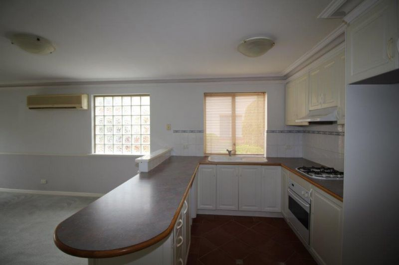 FRESHLY PAINTED -WELL LOCATED SPACIOUS VILLA